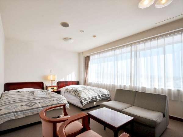 【ツインルーム】観光にも適した洋室のツインルームです。