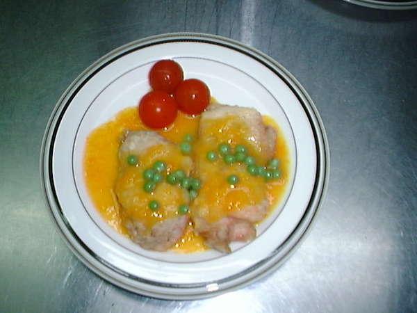 肉料理の一例※日によって異なります。