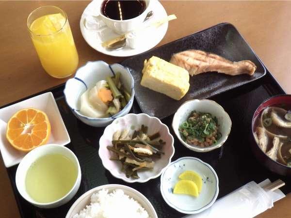 【和食】朝食の一例です。洋食もございます☆