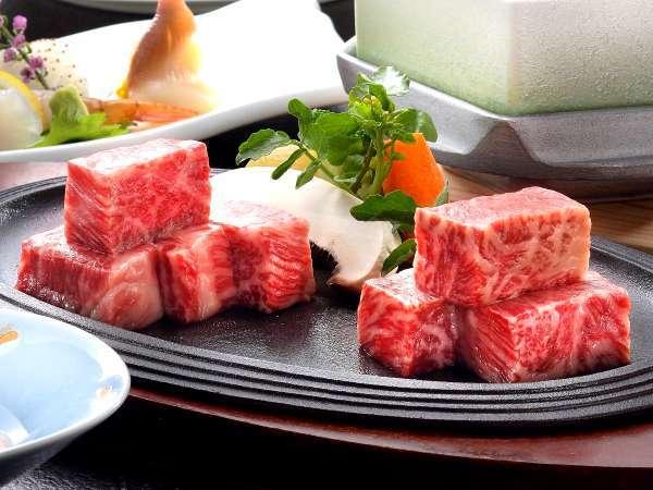 山形牛&米沢牛ステーキが同時にお口の中でとろける至福の瞬間【天童ダイニング木もれ日】