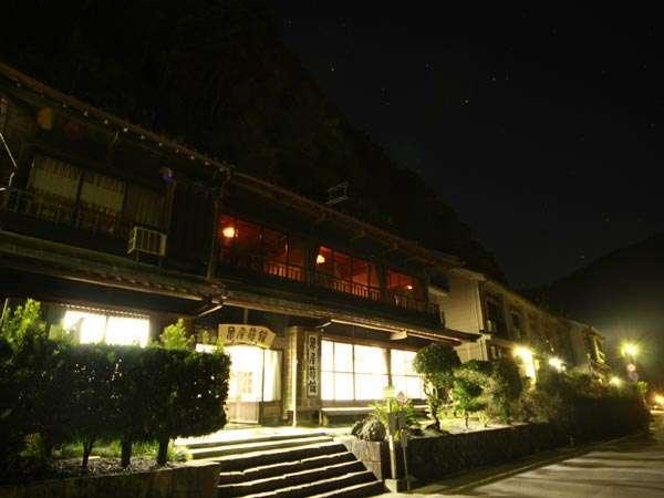 亀屋旅館の外観