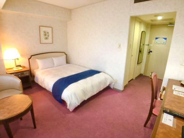 スタンダードダブル 20㎡ながら140㎝幅のベッドで朝までぐっすり御休み下さい