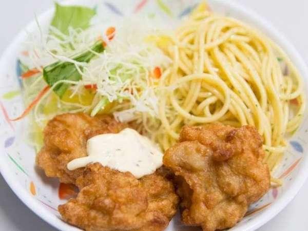 栄養のバランスを考慮した手作りの日替わり料理をぜひ、ごゆっくりご堪能ください。