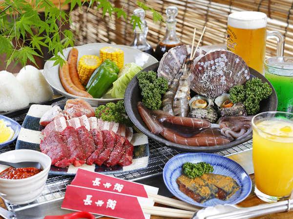 海辺のテラス席で海鮮6種×お肉もたっぷりのまんぷくBBQプラン♪お日帰りプランもあります。