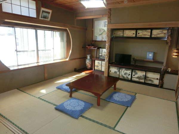 3階・和室11畳のお部屋です。