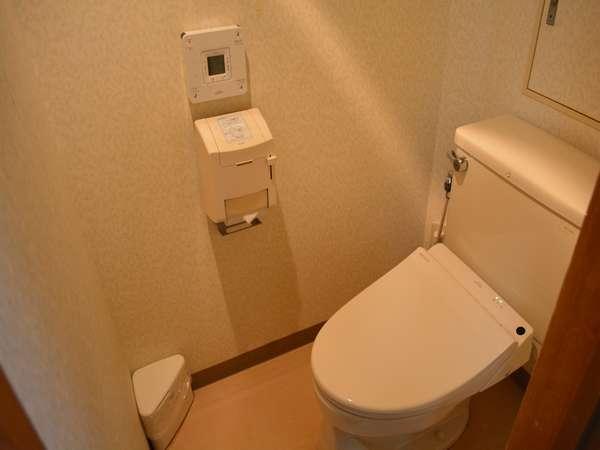 和室のトイレです。【ウォシュレット完備】
