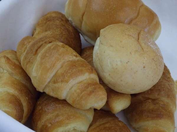 朝食 パンもございます。