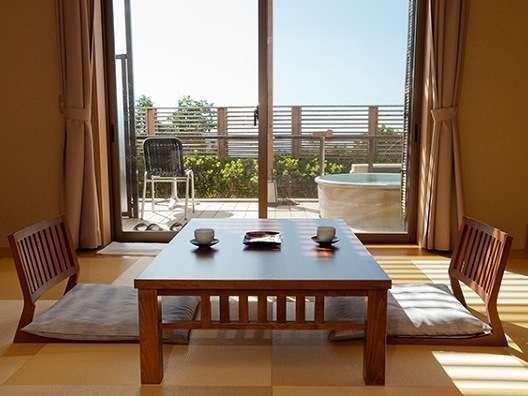 お部屋から伊豆の海をご覧いただける絶好のロケーションをお楽しみください。