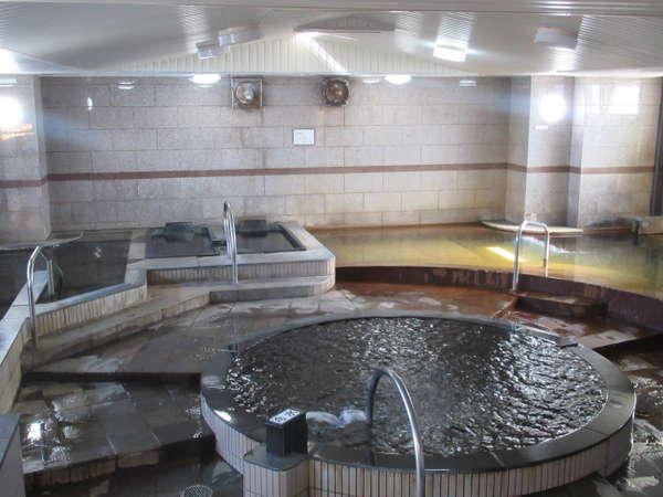 天然温泉大浴場【男性専用】は源泉かけ流し100%【サウナ付】