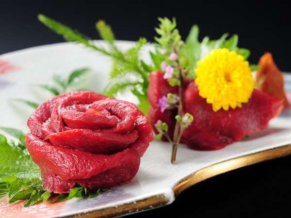 ◆会津名物桜刺し付◆ やわらかく臭みの少ない会津馬刺しは絶品!地酒の共にいかがでしょうか??
