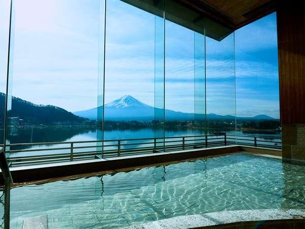 朝夕で移り変わる富士山の表情をゆったりと眺められる、日常から離れた癒しの空間です。