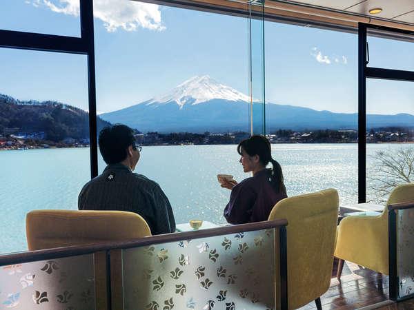 お茶をしながら富士山