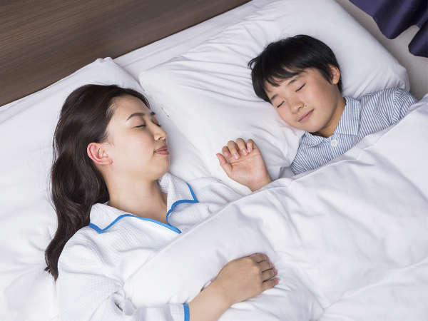 お子様の添い寝無料