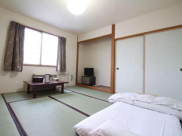 *【部屋/和室一例】落ち着いた雰囲気の和室でゆっくりとお過ごしいただけます。