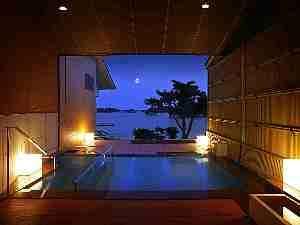 2010年3月 人気の貸切露天風呂も天然温泉に生まれ変わりました。『朝日見の湯』 (先着15組)