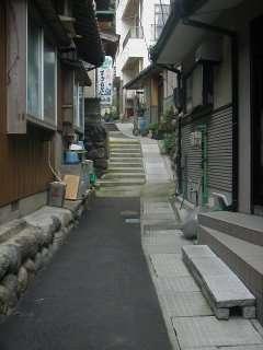 宿までの通り。