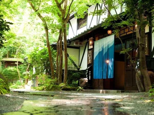 別荘 今昔庵の外観