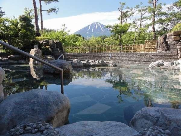 富士山の眺望抜群露天風呂(ゆらり)