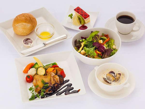 メインを選べる・野菜たっぷり夕食&ホテル自慢の朝食バイキング