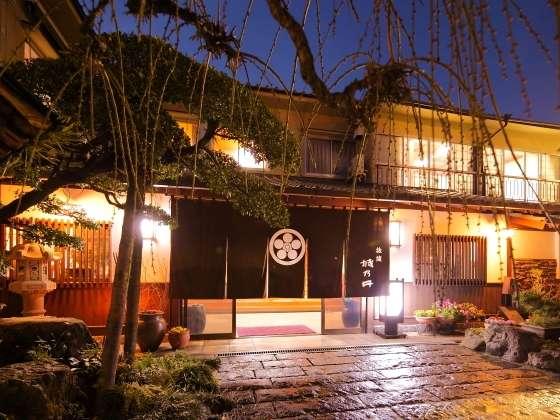 城乃井旅館の外観