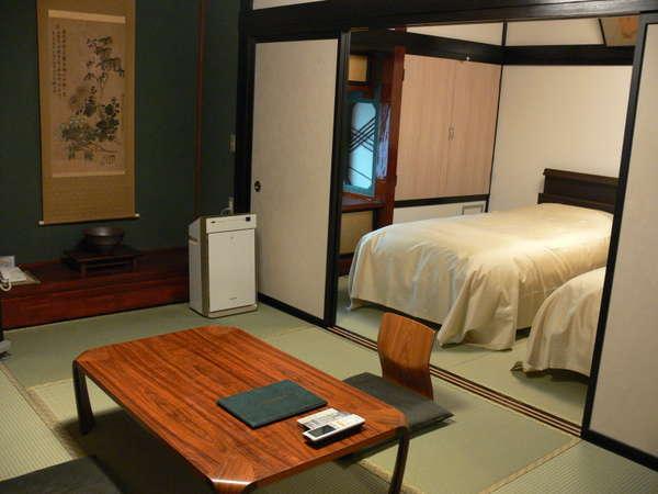 山側の和洋室のお部屋