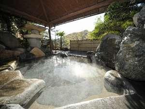 岡山の紅葉スポット近くの温泉宿・紅葉露天のある宿県 湯めぐりの宿 松の家 花泉