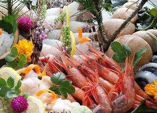"""富山と言えば新鮮なお刺身♪魚の種類が豊富で""""天然のいけす""""と呼ばれる富山湾のお魚をご堪能ください!"""