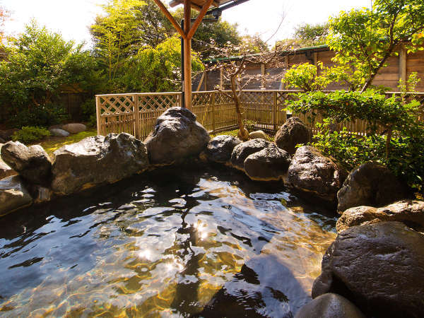 「関西の奥座敷」と呼ばれた、あわら。昔から愛される名湯をお愉しみください