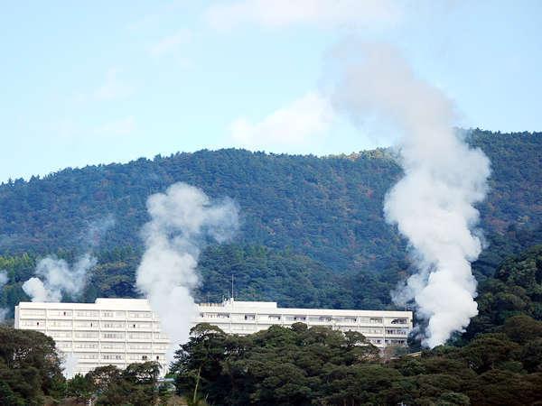 霧島国際ホテルから眺める湯けむりは絶景です。