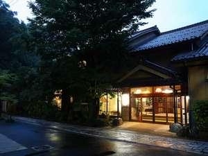 海潮荘外観写真。島根県の山奥にひっそりと佇む贅沢な隠れ宿。リピーターも多いお宿