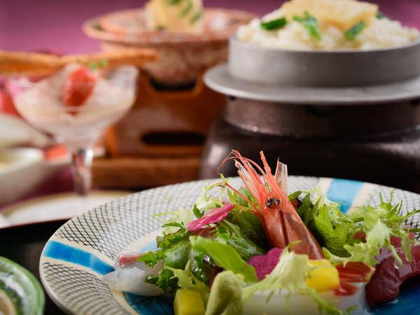富山の海の幸や郷土料理を楽しめます