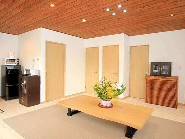 清潔感と使い勝手の良いリビングルーム
