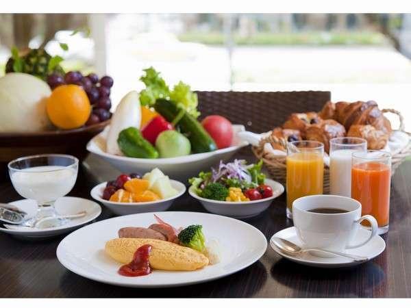 農園直送野菜、シェフが目の前で作るオムレツなど、こだわりの朝食ビュッフェ♪ 写真提供:じゃらんnet