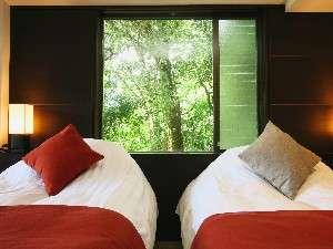【半露天付き客室】半露天風呂付 客室 枕もとの景色