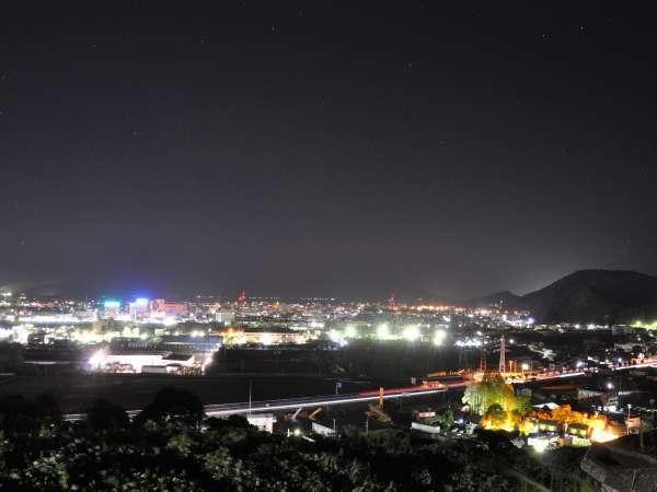 【夜景】当宿は夜景スポット。お部屋や、大浴場から敦賀の街の明かりが一望できます♪