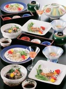 厳選素材で心を込めた会席料理をお部屋でお食事プラン