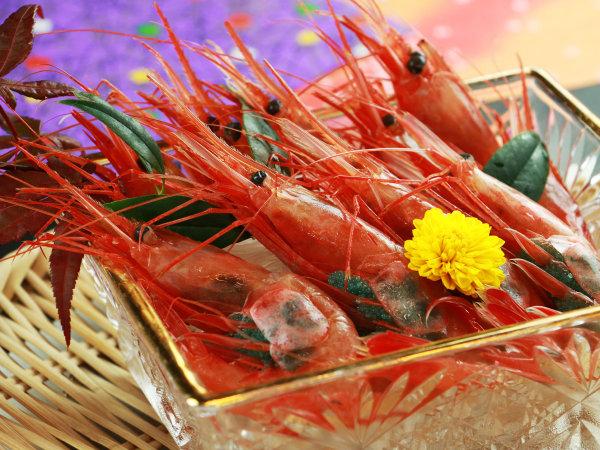 今月のシェフのIPPINは子持ち南蛮エビのお刺身♪プリップリの食感と卵のプチプチ感を!