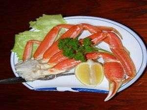 蟹たっぷり1肩(ズワイ蟹)と きんきも食べられる(朝夕部屋食)
