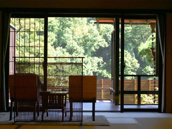 長瀞渓谷を一望できる!露天風呂付客室からの眺め 写真提供:じゃらんnet