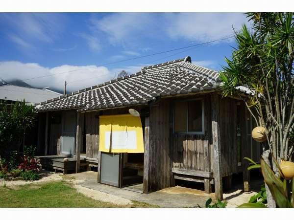 伝泊 サンゴ石小屋のある宿