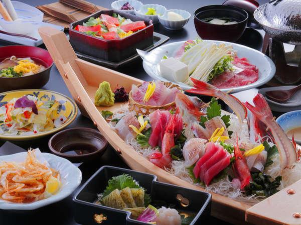 富山湾の宝石・人気の白エビ料理3品に旬の舟盛・牛しゃぶも満喫できる白エビ満喫コース