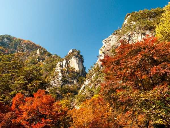 御岳昇仙峡の紅葉♪見頃10月中旬~11月下旬  車で約40分♪