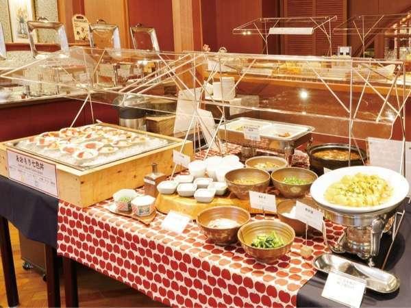 県産品を織り交ぜた和洋のブッフェ(6:30~9:30 1Fレストラン「ラ・セーラ」)