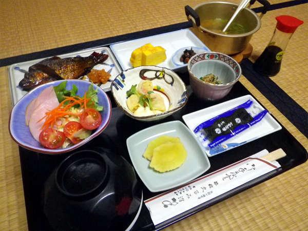 お部屋食でいただく朝食付◆最終チェックイン21時まで