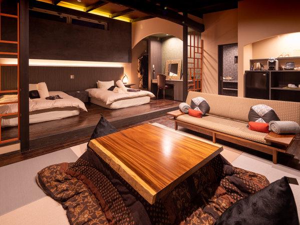 -14R- 無機質な石をモチーフにデザインした外観に広々ダブルサイズのベッドを2台備えた特別空間。