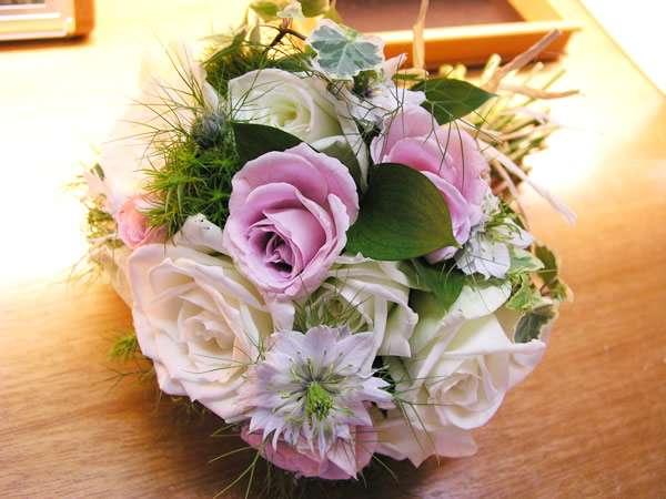 ◆【選べるサプライズ付】記念日プラン 選ばれるベスト3 ケーキ、花束、カットフルーツ
