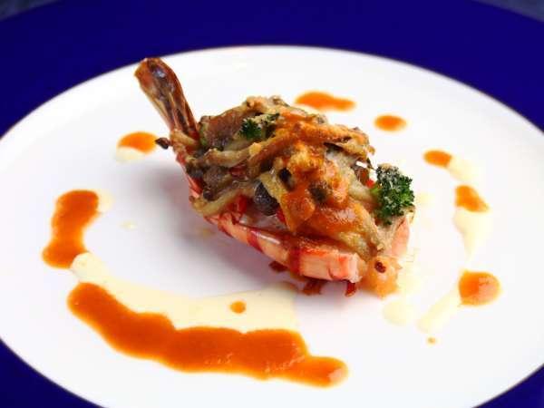 【夕食】元レストランシェフが腕を振るう基本の欧風ディナーコース。