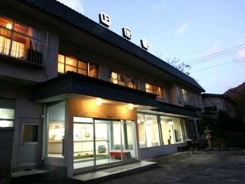 上田屋旅館の外観