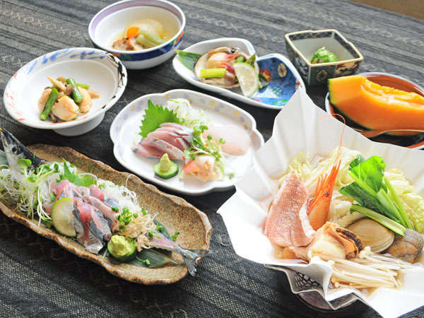 【夕食一例】根室の美味しい海の幸が盛りだくさん♪