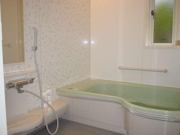 貸切風呂1例。時間貸しとなりますが、ご家族風呂として貸切でご利用いただけます。